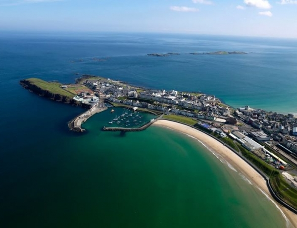 Minister 'clubs in' for Major Portrush Urban Development Grant